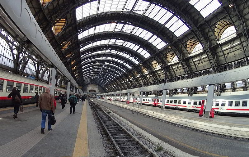 milan train station to get to cinque terre