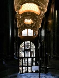 Transetto Duomo di Torino, altare Sindone