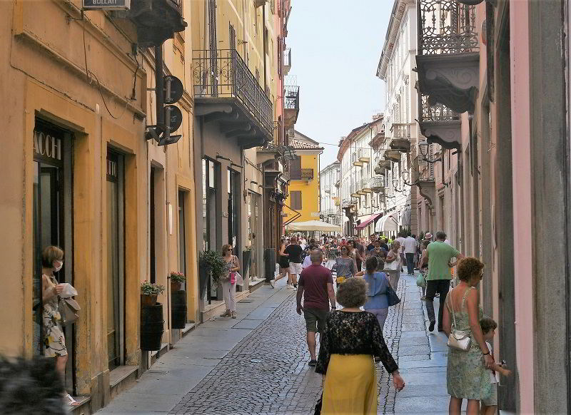 The main street in Alba, aka Via Maestra
